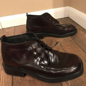 Kenneth Cole Reaction Maroon Boots